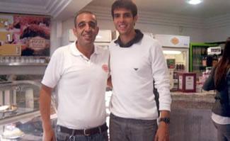 Kaká visita a AdoraDoces